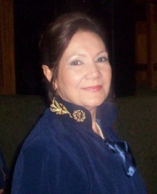 VERA LUCIA GONZALEZ TEIXEIRA 1 324x400 - De Cadeira (De Grau)